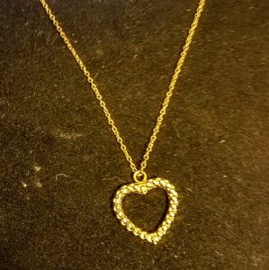 Jewelry - Vintage heart necklace